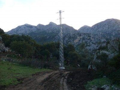 torreta nuevo tendido eléctrico