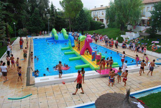La piscina municipal acoger el pr ximo martes la fiesta for Pulpo para piscina