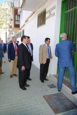 Manuel_Toro_abre_el_mercado_de_abastos