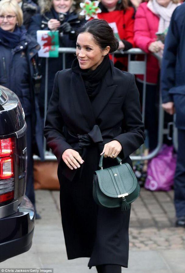 927259e62030 Los productos de Carla Sade vuelven acaparar la atención mediática  internacional al lucir la realeza británica uno de los diseños de la firma  ubriqueña a ...